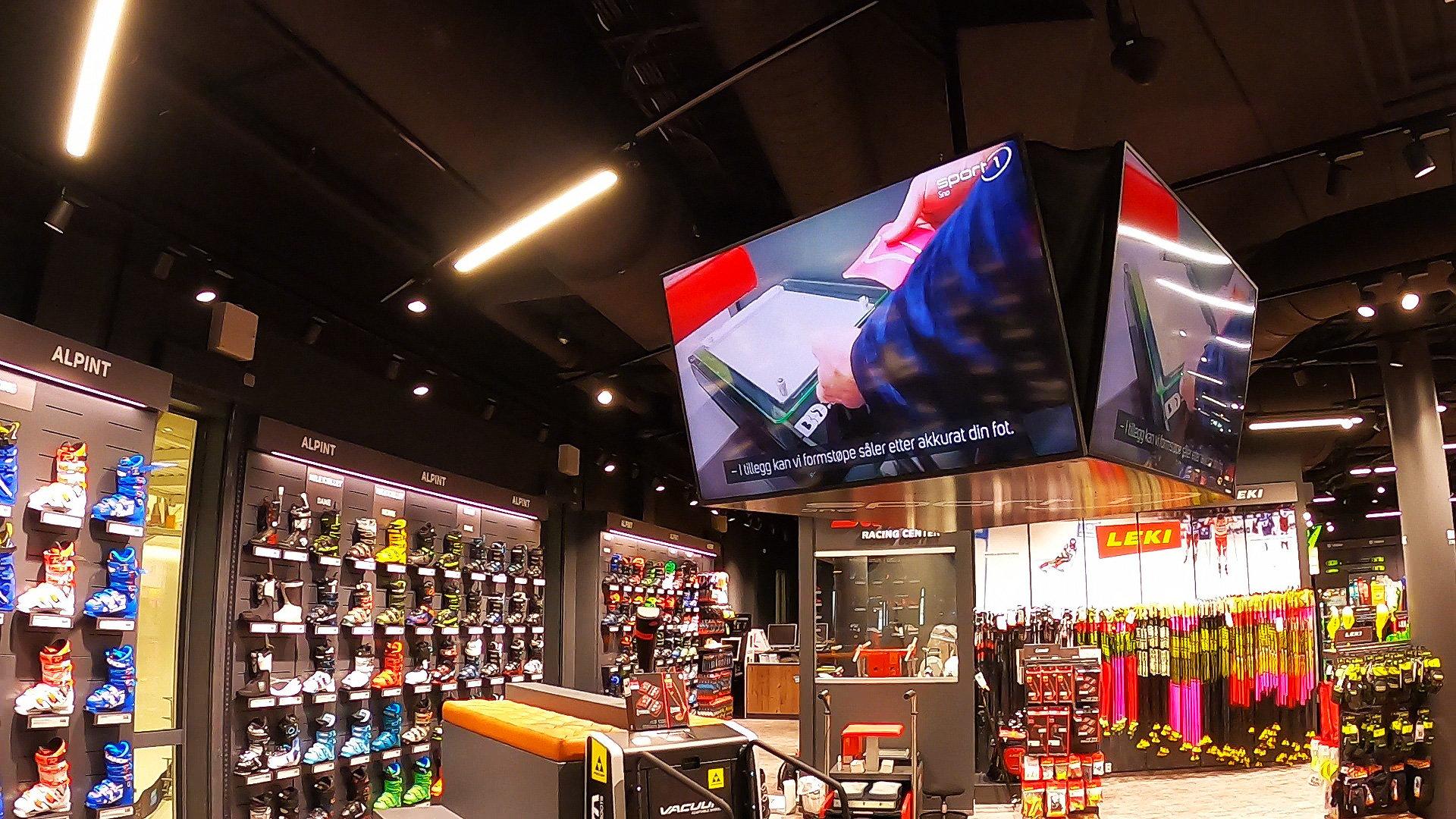 Digital-signage-i-Sport1-butikk-med-Databeat-