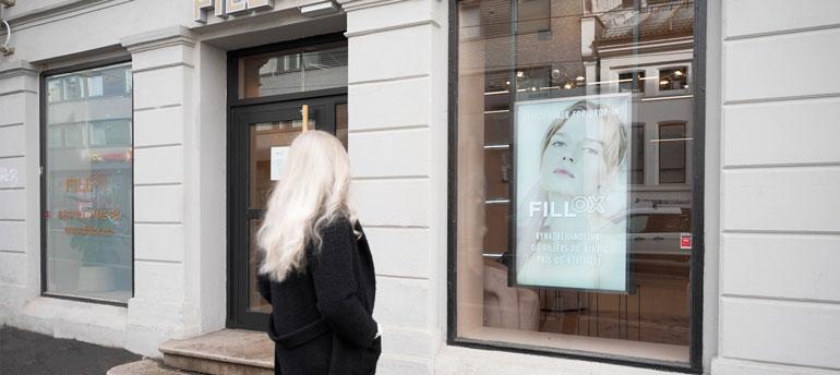 digital-signage-attract-customers